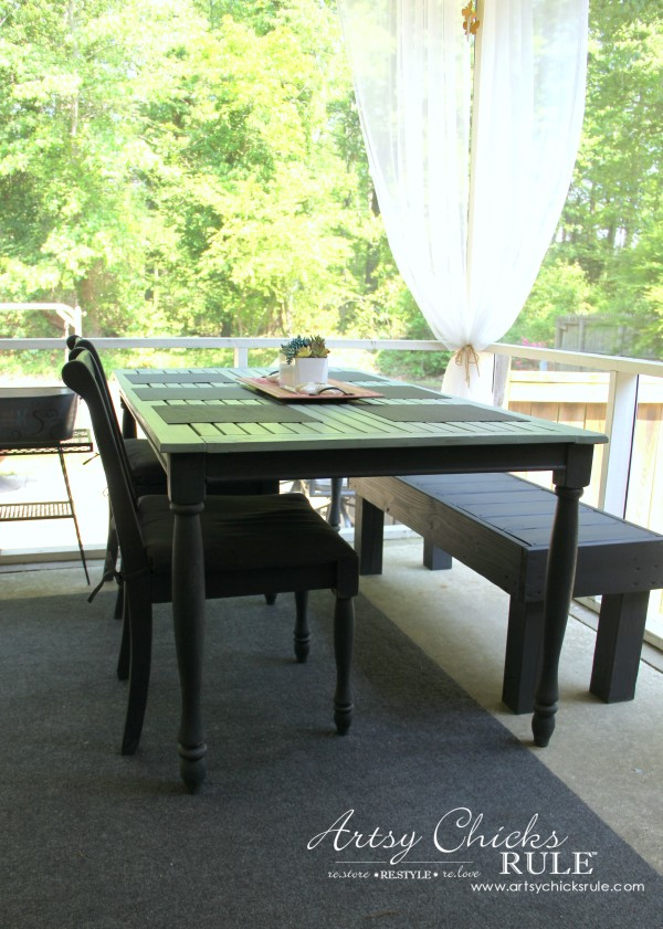 Simple DIY Outdoor Bench - artsychicksrule.com