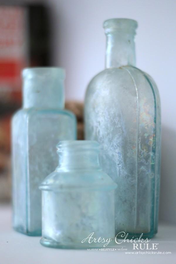 Vintage Collections - Blue Bottles - #vintage #collections #bluemasonjars #retro #antique artsychicksrule.com