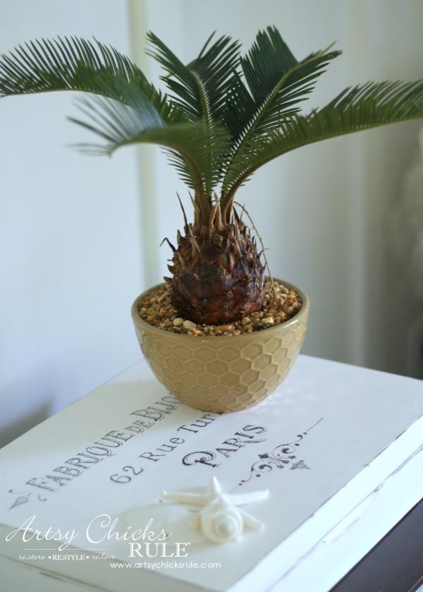 Coastal Summer Home Tour - with Balsam Hill - Palm - #nautical #coastal #homedecor artsychicksrule.com