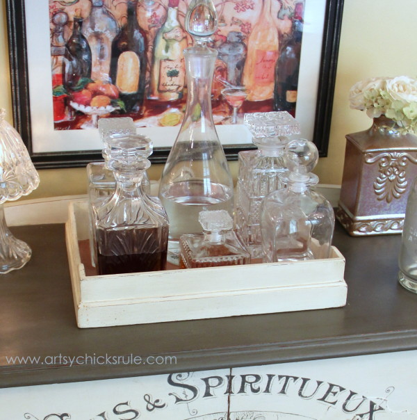 Decorating with Trays - Inspiration for using them in your home! - #bar #homedecor artsychicksrule.com