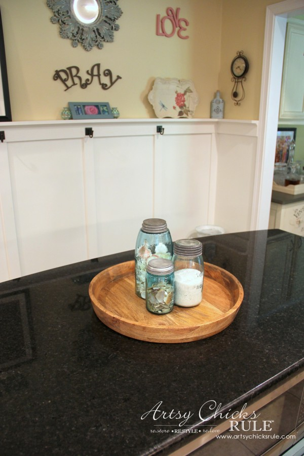 Decorating with Trays - Inspiration for using them in your home! - #coastal #homedecor artsychicksrule.com