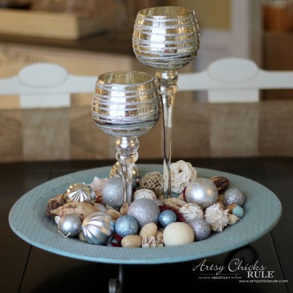 Decorating with Trays - Inspiration for using them in your home! - #holidaydecorating #homedecor artsychicksrule.com