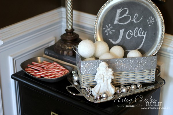 Decorating with Trays - Inspiration for using them in your home! - #holidaytheme #homedecor artsychicksrule.com