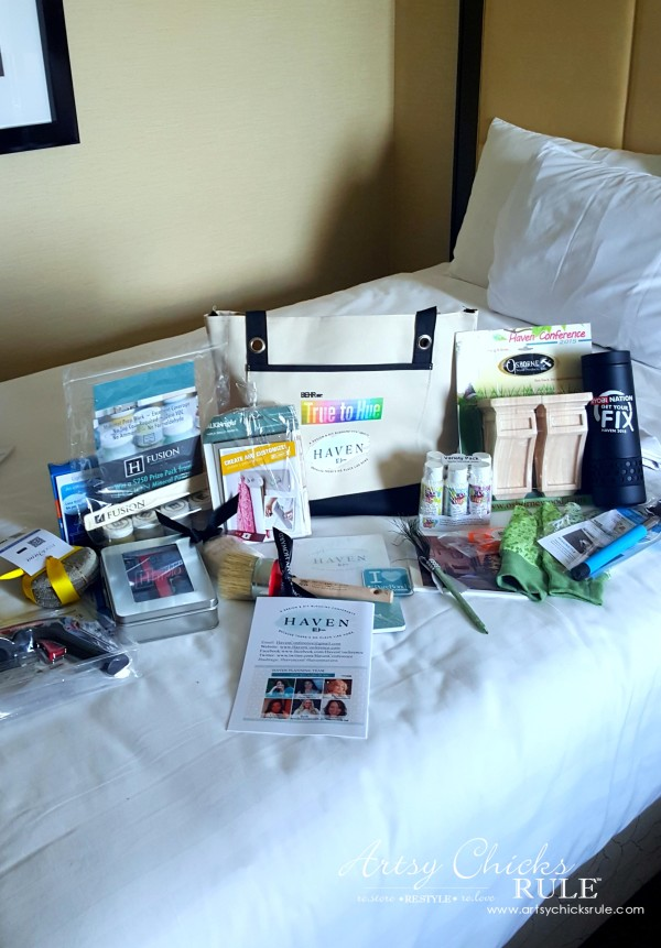 Haven Blogger's Conference 2015- Lots of SWAG from Sponsors - artsychicksrule