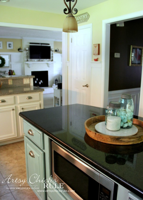 Kitchen Makeover - AFTER Bright and Cheery - #kitchen #Makeover artychicksrule