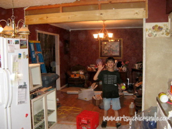 Kitchen Makeover - Wall it OUT - #kitchen #Makeover artychicksrule