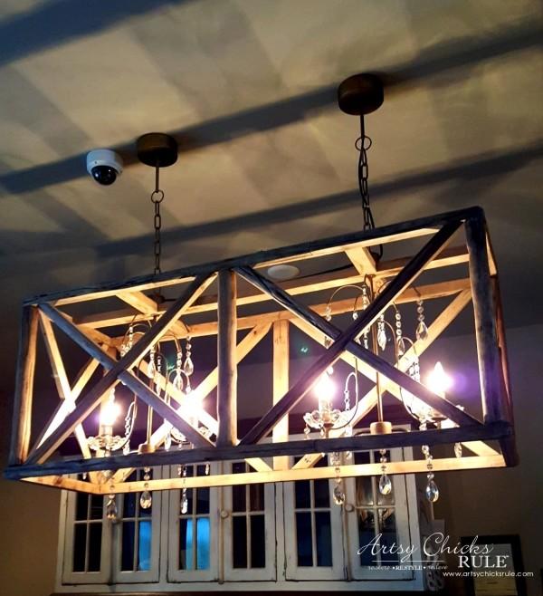 Mount Pleasant SC - Tavern & Table Restaurant - those lights are amazing - artsychicksrule