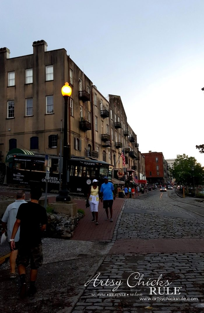 Savannah Ga Strolling Historic River Street