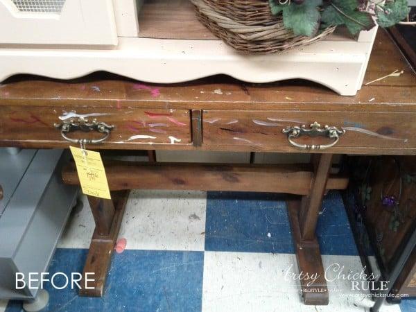 Chalkboard Desk - BEFORE - $10 thrifty find - artsychicksrule