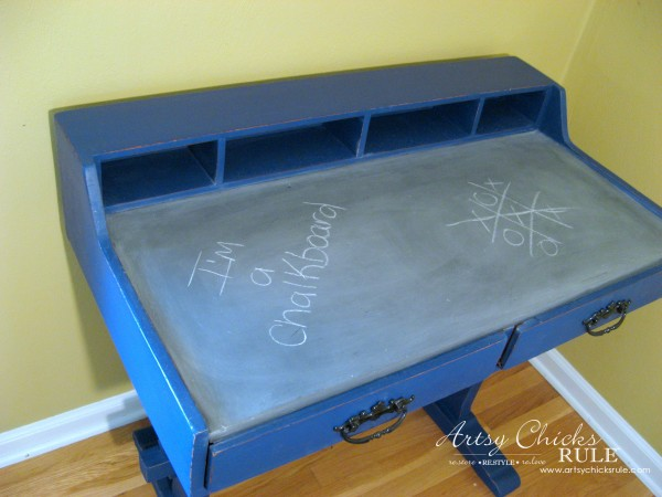 Chalkboard Desk - Make the top of the desk a chalkboard - $10 thrifty find - artsychicksrule #chalkpaint #graphite #napoleonicblue