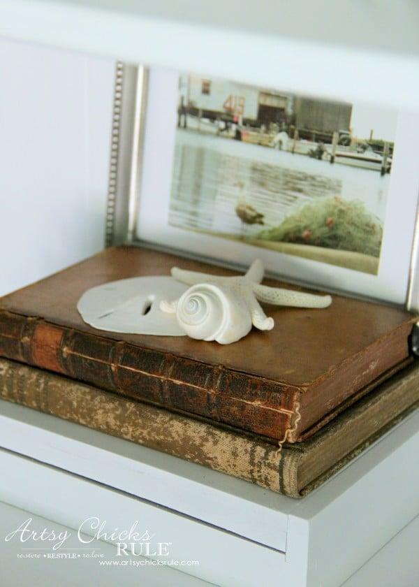 Coastal Styled Bookshelves (Decor Challenge) - create small groupings - #coastaldecor #styling artsychicksrule