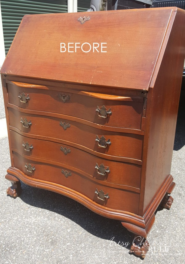 Secretary Desk Makeover (Chalk Paint® by Annie Sloan) - BEFORE - #duckeggblue #sp #chalkpaint artsychicksrule