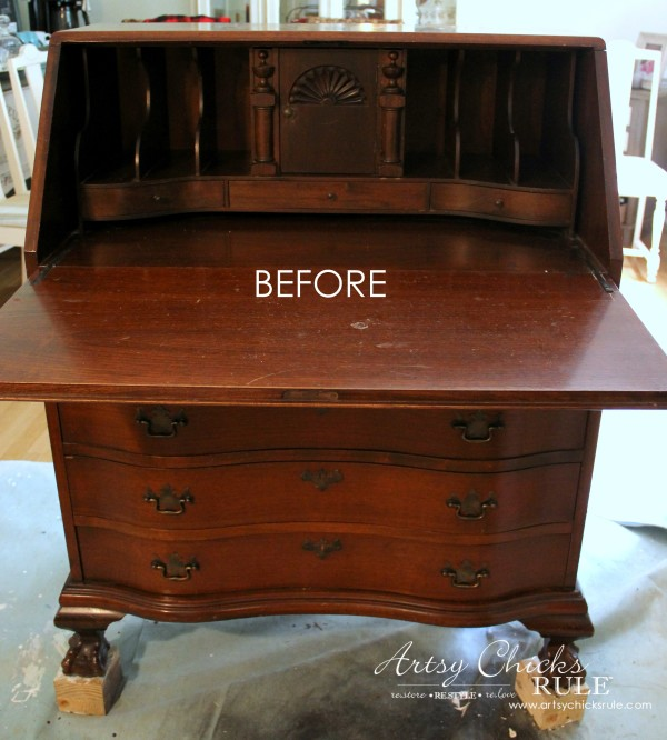 Secretary Desk Makeover (Chalk Paint® by Annie Sloan) - BEFORE of inside -#duckeggblue #sp #chalkpaint artsychicksrule