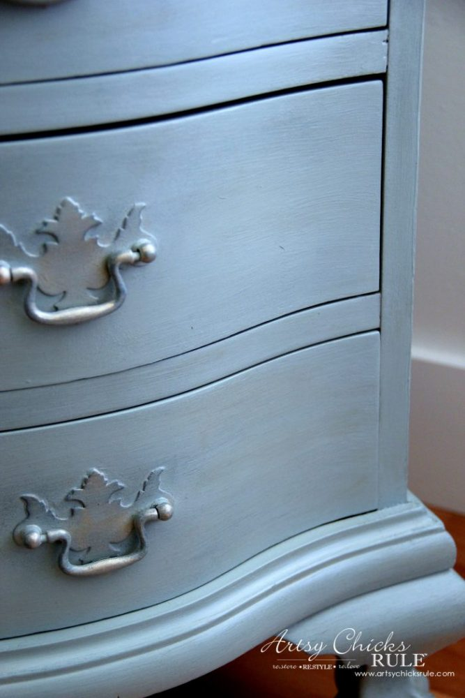 Secretary Desk Makeover (Chalk Paint® by Annie Sloan) - Up Close details 1 - #MadeItMyOwn #sp #chalkpaint artsychicksrule