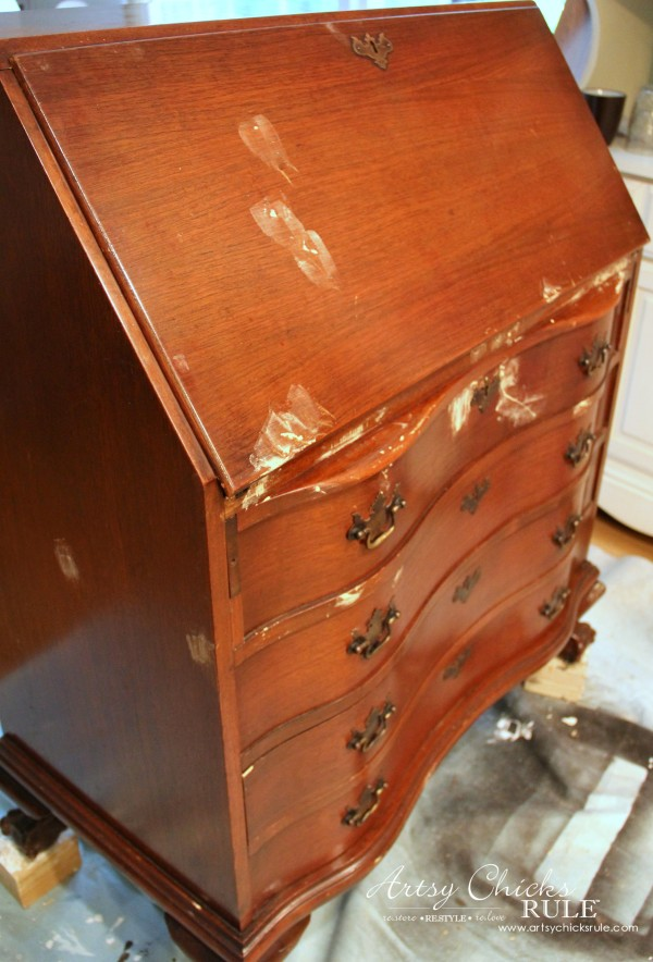 Secretary Desk Makeover (Chalk Paint® by Annie Sloan) - repairs - #MadeItMyOwn #sp #chalkpaint artsychicksrule