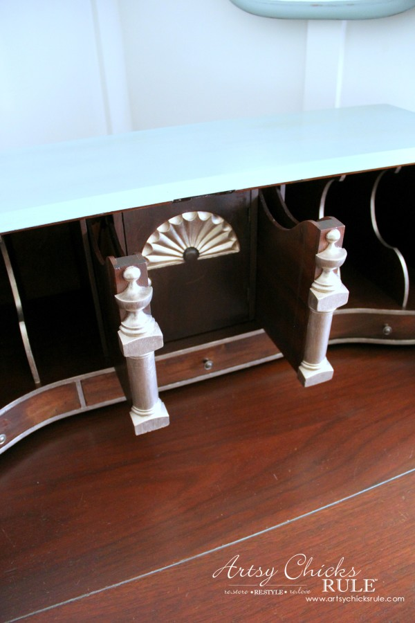 Secretary Desk Makeover (Chalk Paint® by Annie Sloan) - secret compartments - #MadeItMyOwn #sp #chalkpaint artsychicksrule