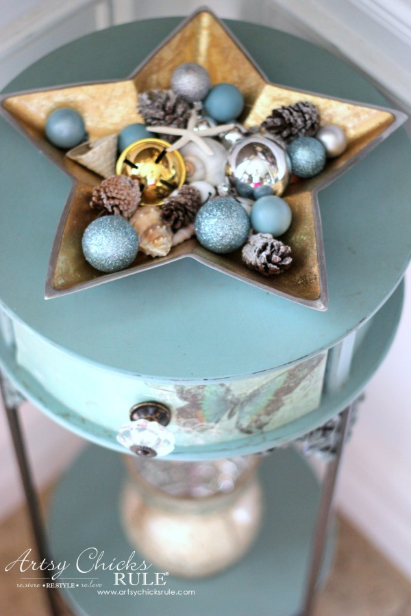 Christmas Home Tour 2015 - Chalk Painted Table - artsychicksrule.com #christmashometour