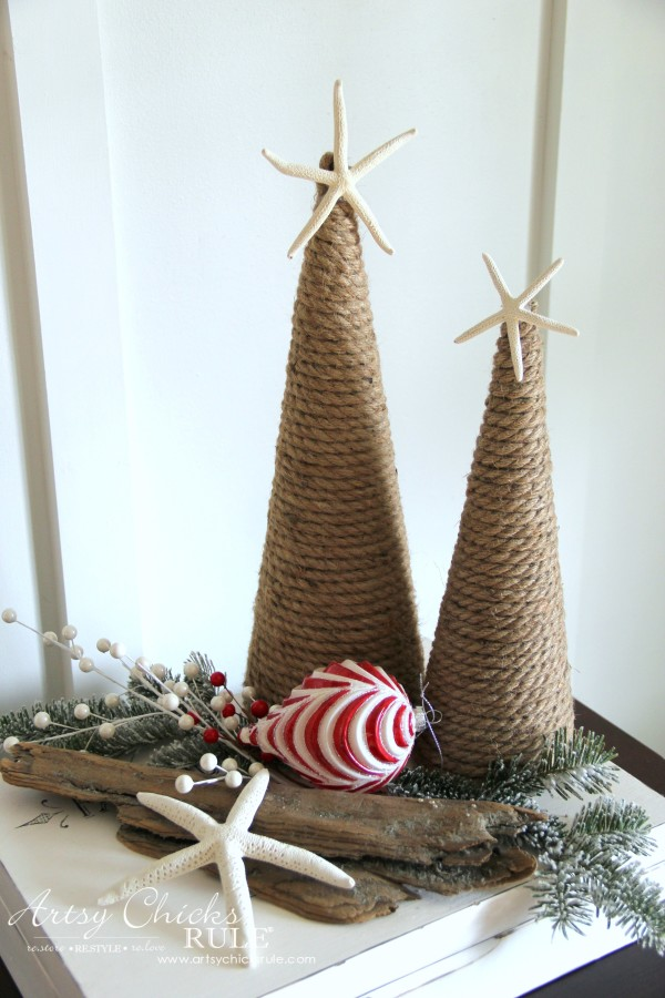 Christmas Home Tour 2015 - Coastal Holiday Decor - artsychicksrule.com #christmashometour