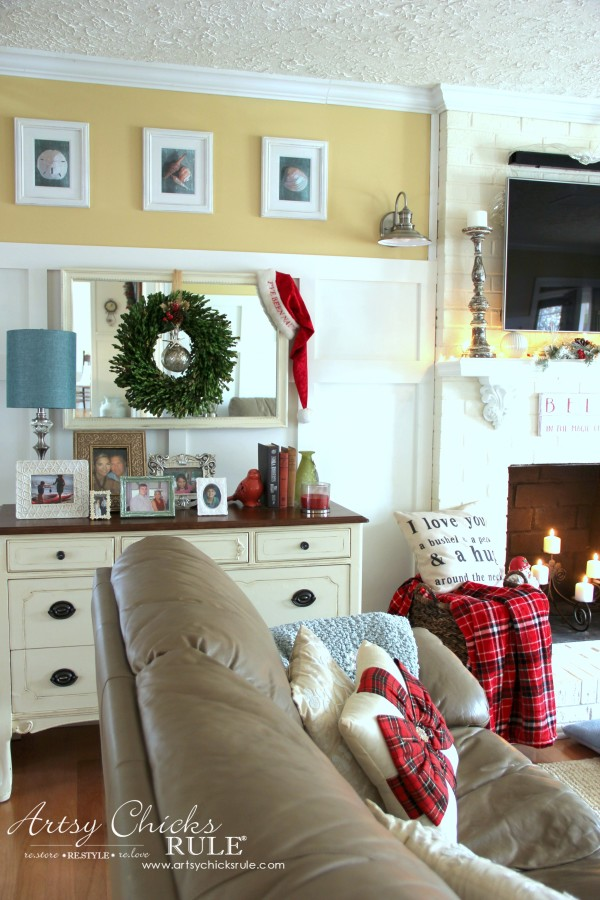 Christmas Home Tour 2015 - Family Room - artsychicksrule.com #christmashometour