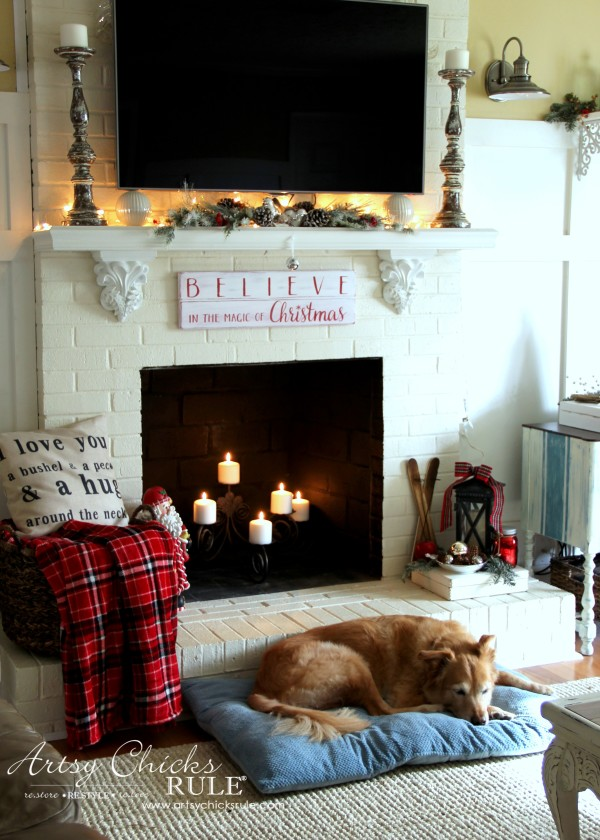Christmas Home Tour 2015 - Lexi girl - artsychicksrule.com #christmashometour