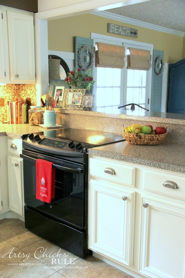 Christmas Home Tour 2015 - New Stove Yay - artsychicksrule.com #christmashometour