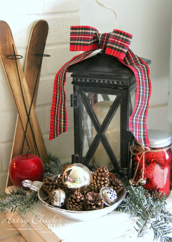 Christmas Home Tour 2015 - Simple Decor - artsychicksrule.com #christmashometour
