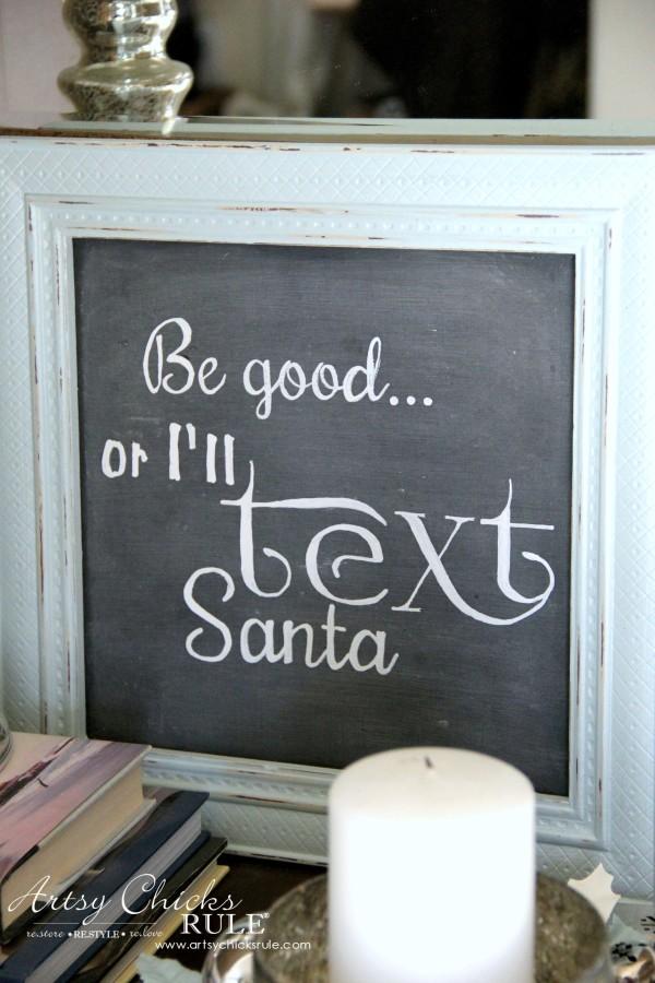 Coastal Christmas Foyer - Better Be Good! - artsychickrule.com #Christmasdecor #coastalChristmas