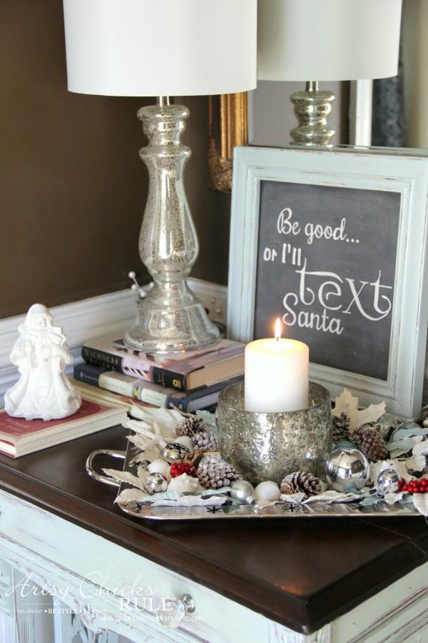 Coastal Christmas Foyer - Table Top Decor - artsychickrule.com #Christmasdecor #coastalChristmas
