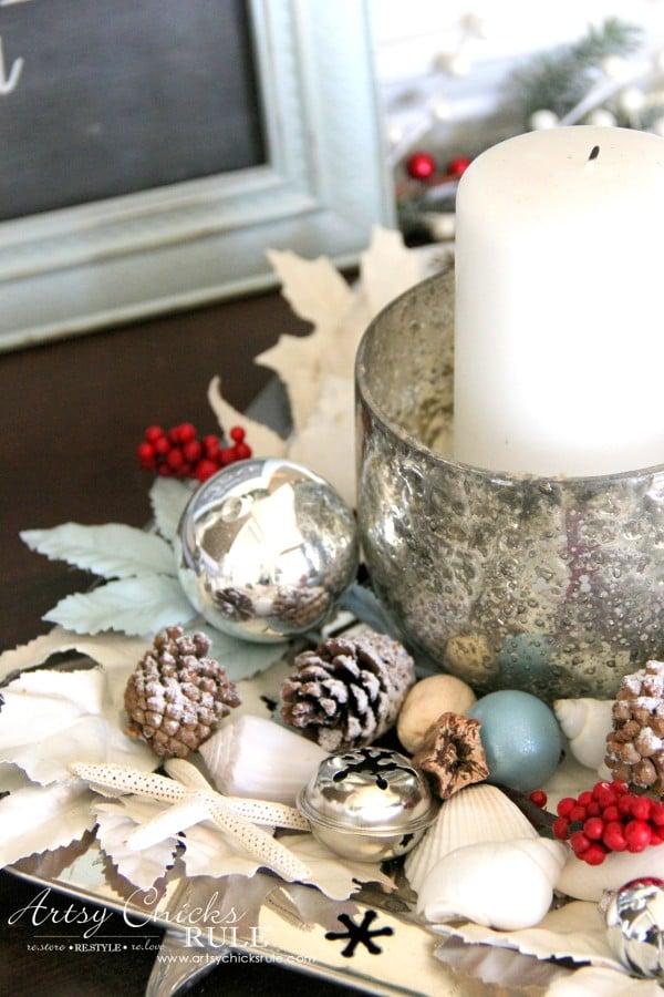 Coastal Christmas Foyer - details - artsychickrule.com #Christmasdecor #coastalChristmas