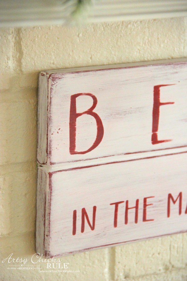 DIY Believe in the Magic of Christmas Sign - Close up details - #artsychicksrule #Christmassign #believesign