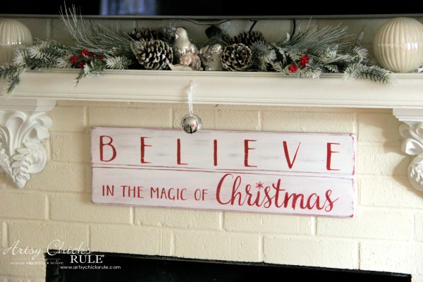 DIY Believe in the Magic of Christmas Sign - EASY DIY SIGN - #artsychicksrule #Christmassign #believesign #homeforchristmas