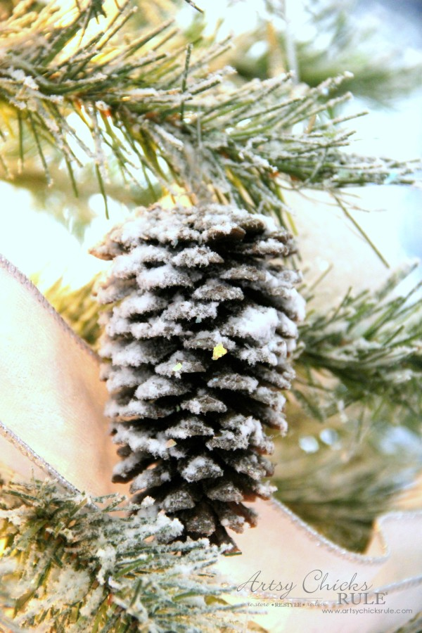 DIY Flocked Tree, Wreaths - Thrifty Holiday Decor! - Pine cones Flocked - #artsychicksrule #flockedtree