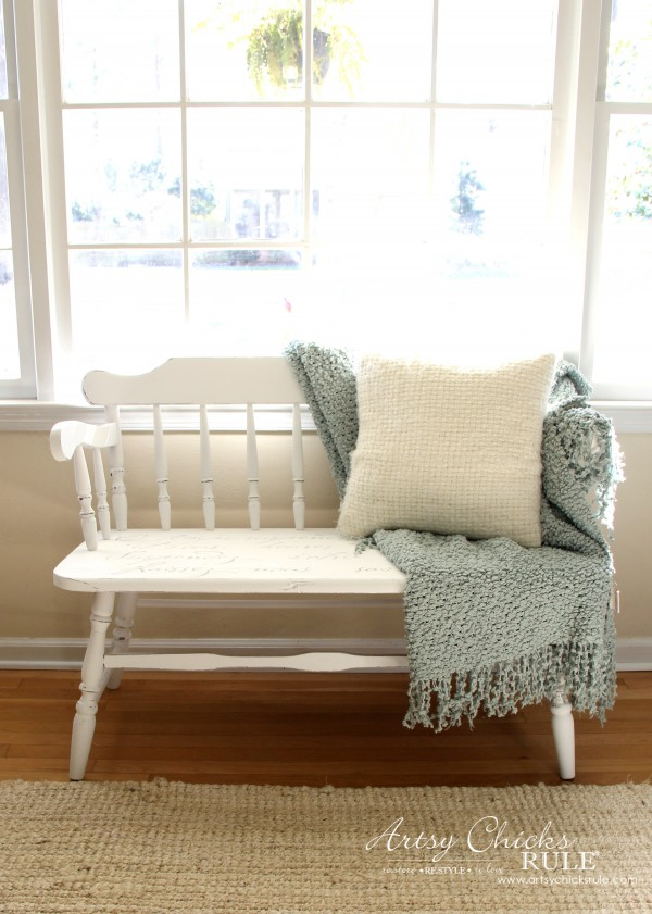 French Poem White Bench Makeover - AFTER styled - #frenchfurniture #whitebench #makeover artsychicksrule