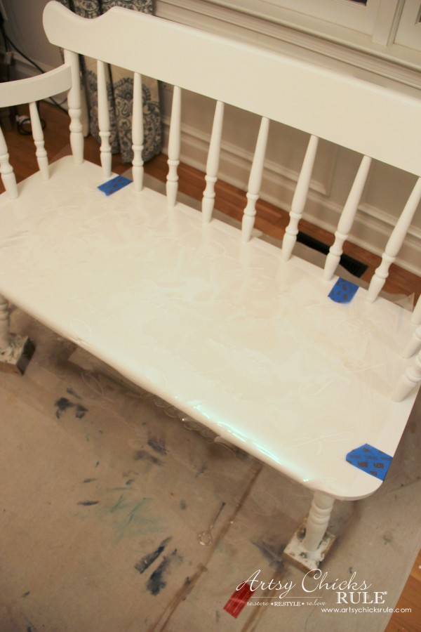 French Poem White Bench Makeover - allign stencil - #frenchfurniture #whitebench #makeover artsychicksrule