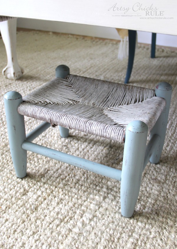 Beachy Footstool Makeover - distressed - artsychicksrule #coastaldecor