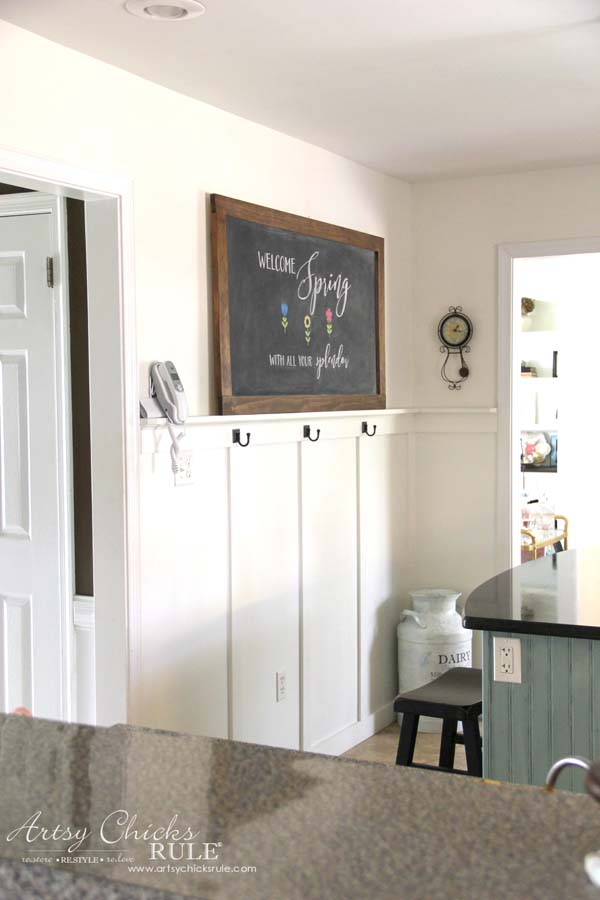 DIY Farmhouse Inspired Chalkboard - Farmhouse Kitchen Chalkboard - artsychicksrule