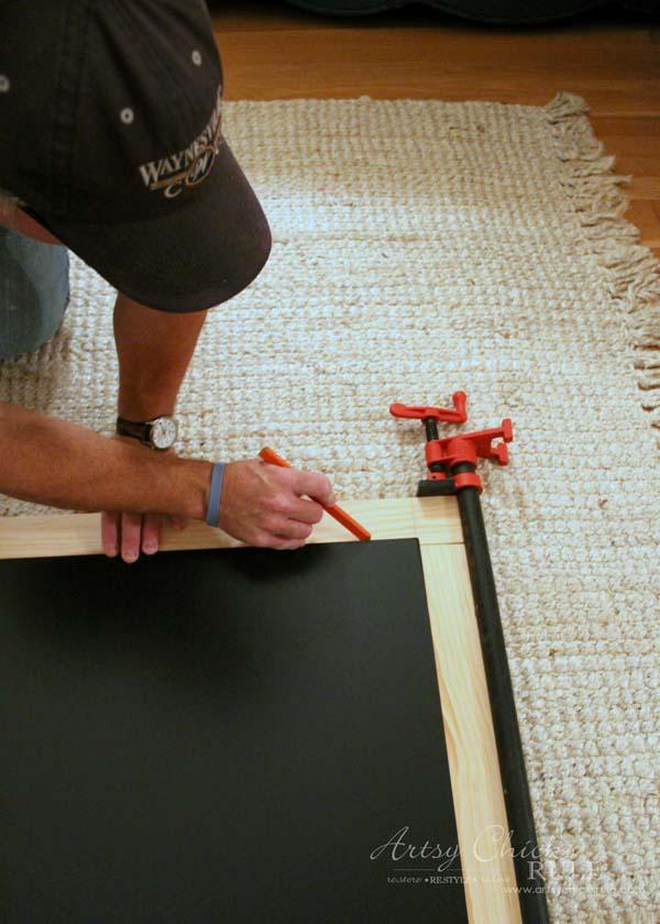DIY Farmhouse Inspired Chalkboard - marking size - artsychicksrule