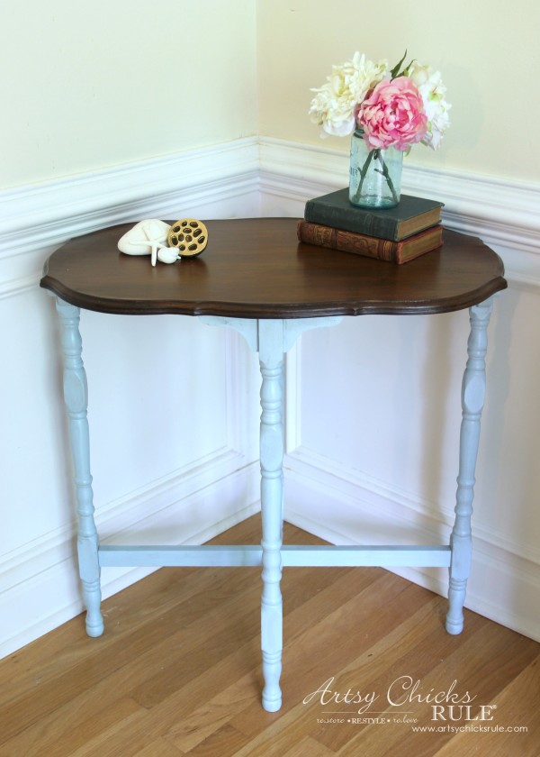 Side Table Makeover - Amy Howard Paint & Dust of Ages - LOVE THESE PRODUCTS -artsychicksrule #dustofages #amyhowardpaint 2