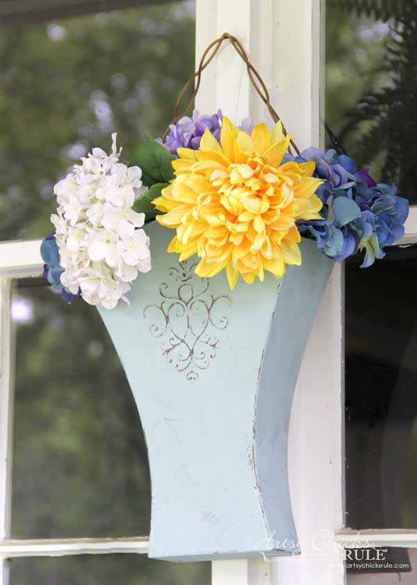 Thrifty Porch Decor - Recycled Planter - artsychicksrule.com #frontporchdecor