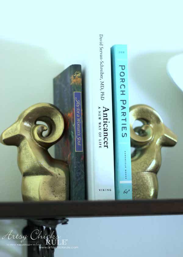 DIY Dining Room Wall Shelves - GOLD DECOR - artsychicksrule.com #wallshelves