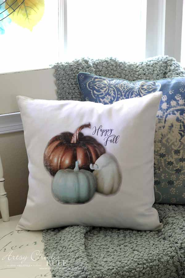 DIY Fall Pillows and Free Printables - Happy Fall Pumpkins - artsychicksrule #freeprintables #fallpillow #fallsayings