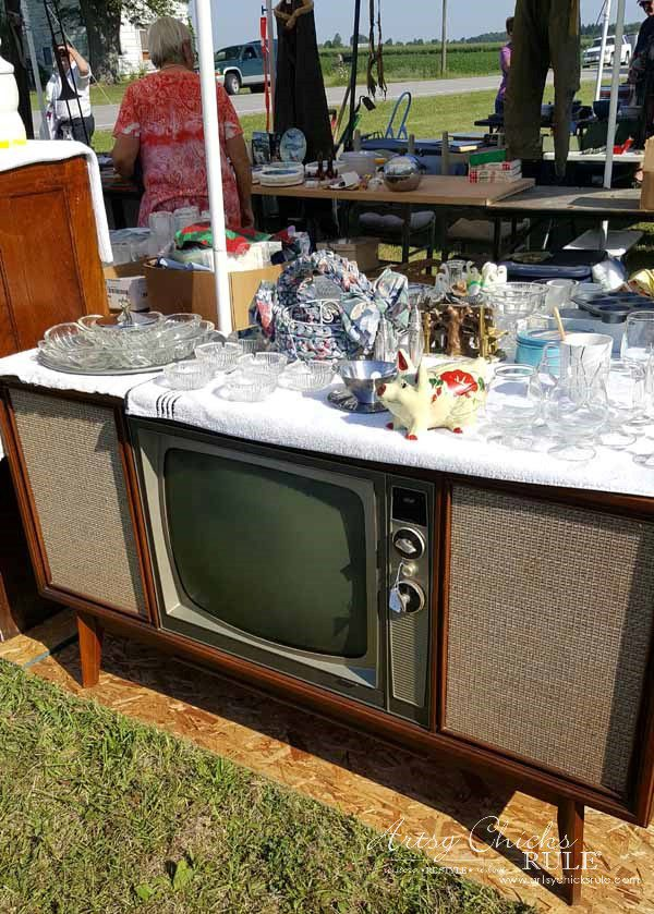 GMC & The World's Longest Yardsale - vintage tv - artsychicksrule #worldslongestyardsale #gmc
