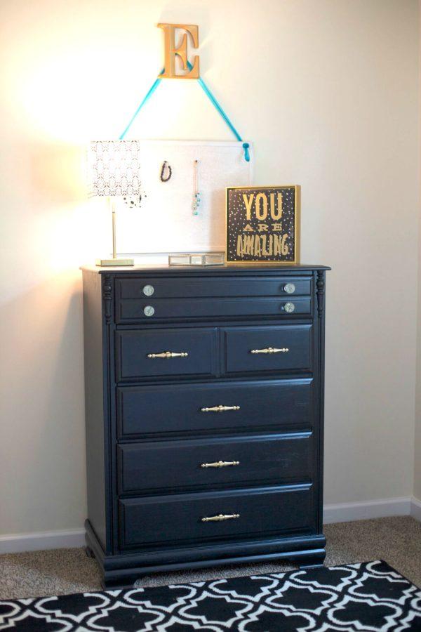 GMC Worlds Longest Yardsale - pretty dresser - #artsychicksrule #worldslongestyardsale