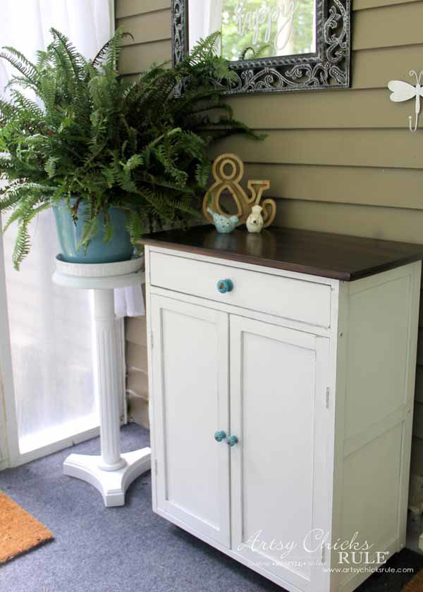 Thrifty Cart Makeover (again!) - a RE makeover - artsychicksrule #furnituremakeovers #chalkpaintedfurniture