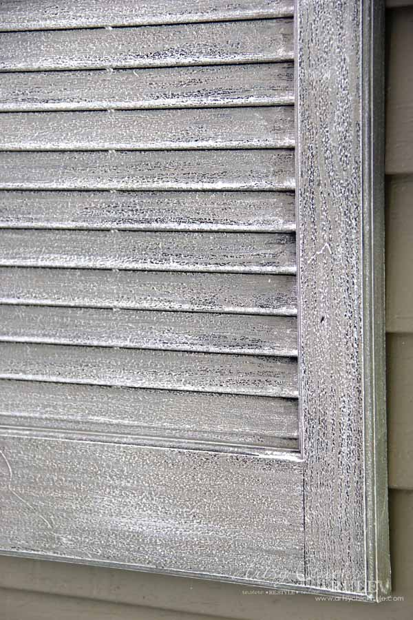 Thrifty Porch Decor - 10 minutes and 2 paints for FAUX weathered look - artsychicksrule.com
