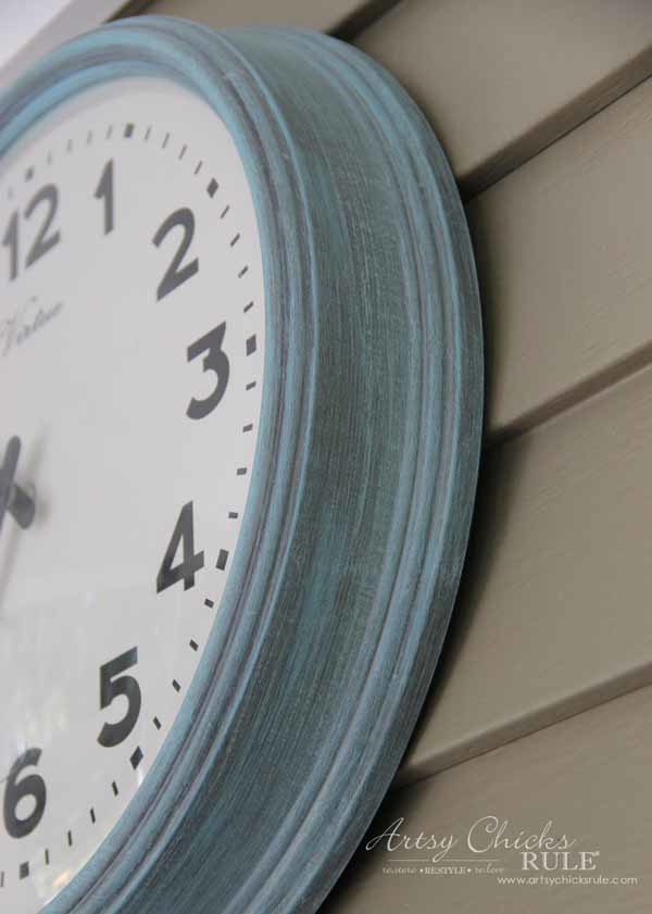Thrifty Porch Decor - Change it up with Chalk Paint - artsychicksrule.com