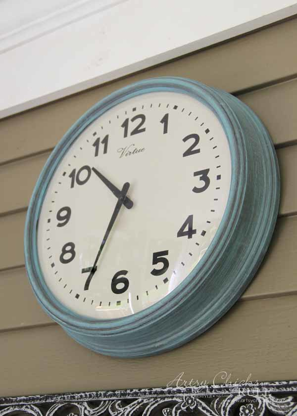 Thrifty Porch Decor - Painted Clock - artsychicksrule.com