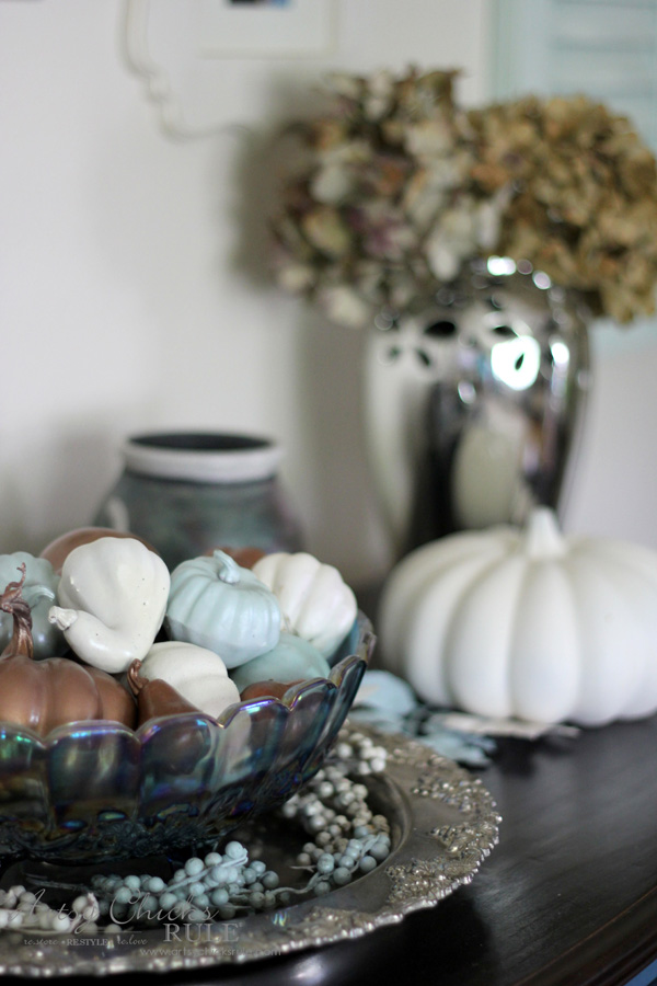 Budget Friendly Fall Decor - don't buy new - artsychicksrule #falldecor #fauxpumpkins