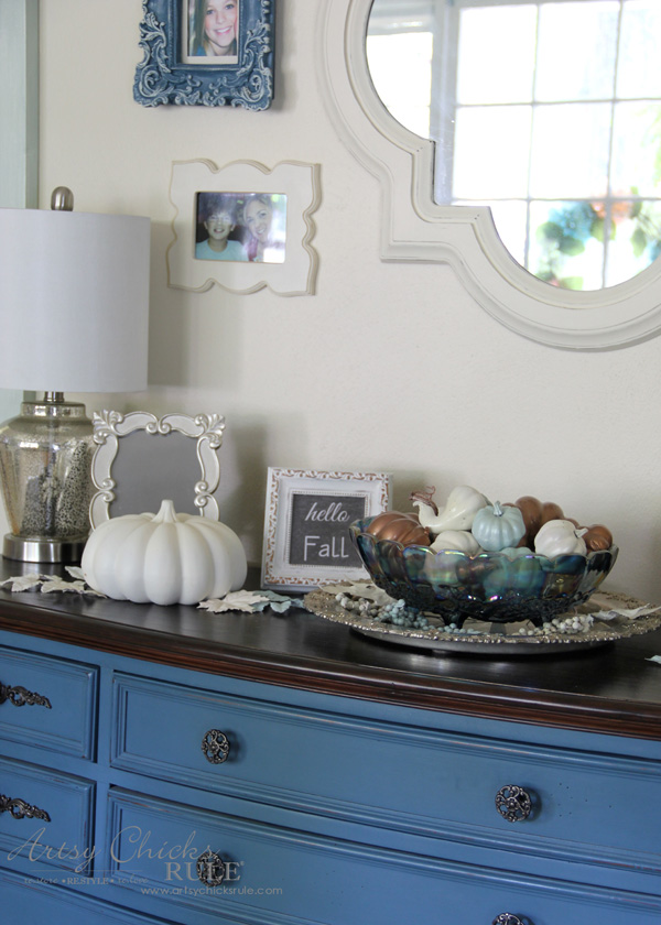 Budget Friendly Fall Decor - neutral Fall decor - artsychicksrule #falldecor #fauxpumpkins