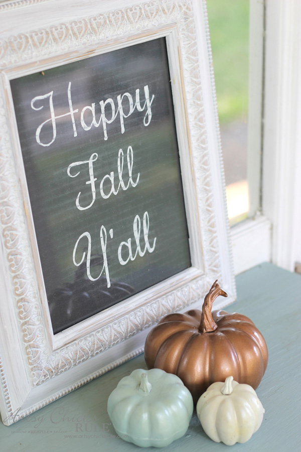 Budget Friendly Fall Decor - neutral colors for Fall - artsychicksrule #falldecor #fauxpumpkins